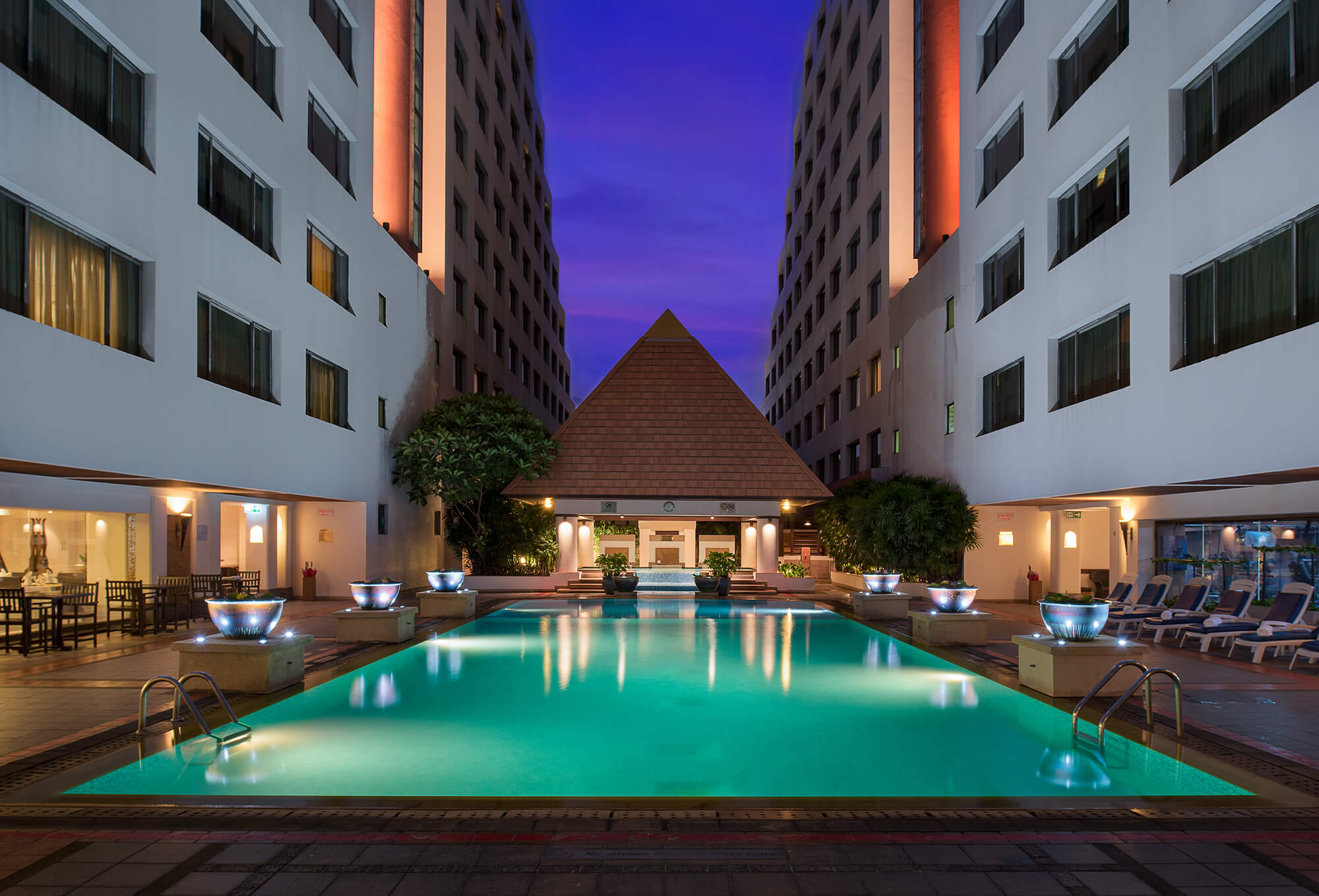 The Twin Towers Hotel Bangkok Official Website Near